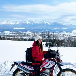 上富良野から十勝岳を眺めるツーリング
