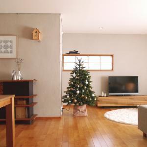 クリスマスツリーのある風景!冬仕様に模様替えしたリビング!