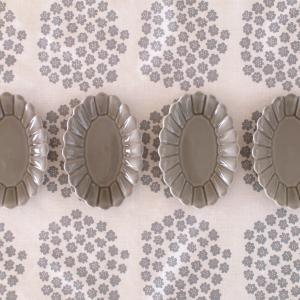 菊の花モチーフの日常使いしやすい器&WEB陶器市開催のお知らせ!