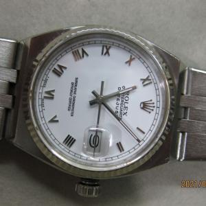 時計の修理もどんどん仕上がっております~✨