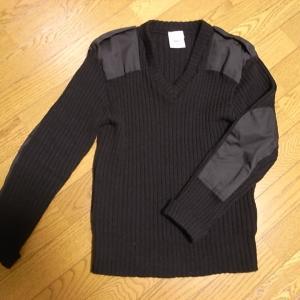 ウールセーターを伸ばしたい