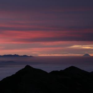 曇天の常念山脈