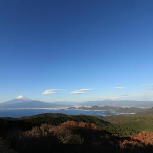 伊豆の山よりの富士山
