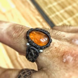 アンバーの指輪