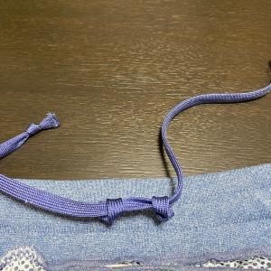 スエットの紐を簡単に緩めたり締めたりする方法