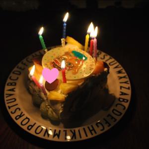 誕生日ケーキとプレゼント