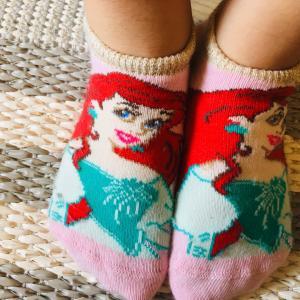 【H&M】ディズニープリンセス靴下がお気に入り。
