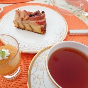 りんごのブリュオッシュケーキでティータイム大(^-^)