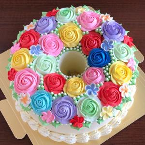 薔薇がぎっしりの特盛りフラワーシフォンケーキ♡