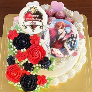 赤バラと黒バラ盛りで「エース・トラッポラ」誕生祭ケーキ♪