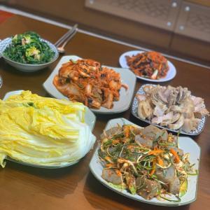 「韓国カフェ」日本人の間でも有名?!カフェ[ベイブ]&韓国スタイルの年末ルック紹介。