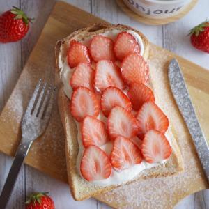 Strawberry Season ❤️ Strawberry Toast