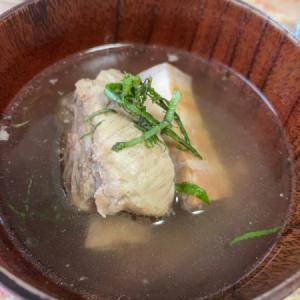 肉骨茶、崩れた東坡肉、豚肉でビタミン補充