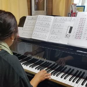 弾き語りレッスンコースのアドバイス。コードを元に曲を作り上げていくが醍醐味が楽しいと思うの巻
