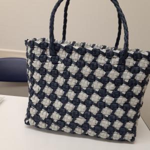 リバーシブル編みバッグ