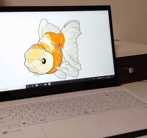 ノートパソコンもデザイン重視。