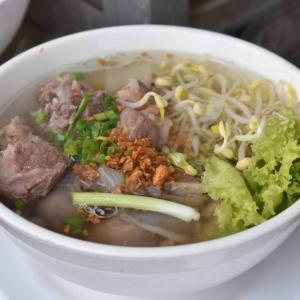 カンボジア料理クイティウとは