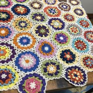 モチーフ編みのマルチカバー 自宅教室の様子