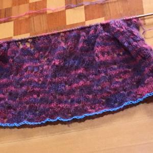 プルオーバーの編み始め
