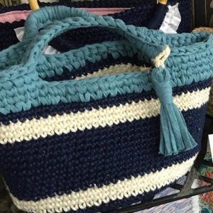 左利きの編み方で、麻ひもバッグ