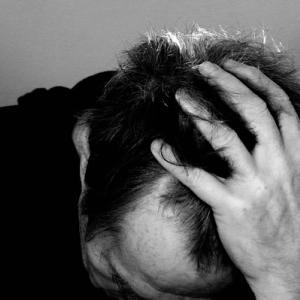 診断半年後、1割に頭痛・脱毛 コロナ後遺症調査―厚労省研究班