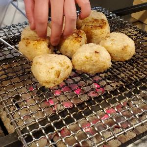 炭火焼きの焼きおにぎりってこんなに美味しいんです!