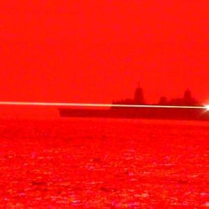 米海軍が太平洋で新型レーザー兵器の実験に成功、無人機を破壊…検索結果 ウェブの結果(サイトリンク付き)  ドック型揚陸艦から発射!