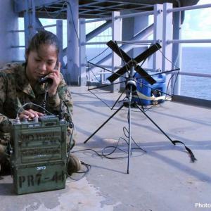 アマチュア無線家が見つけた不審な通信、謎の強力信号の正体とは?