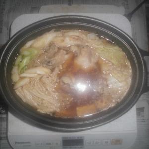 今日は鍋です何でも入れます