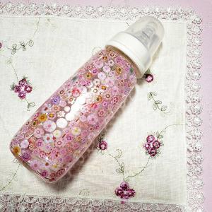 ガラスつながり3連目妊娠中の生徒様が赤ちゃんの為にピジョンの哺乳瓶を使ってポーセラーツ...