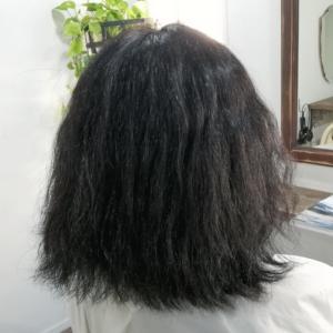膨らむくせ毛さんで、くびれスタイルを目指す!