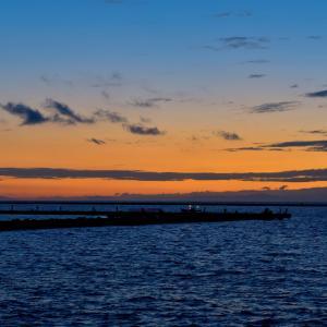 津田海岸の朝陽
