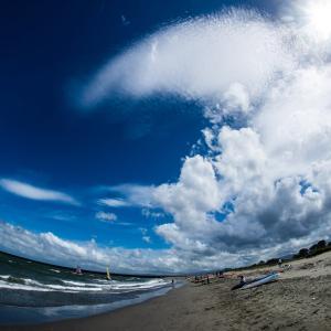 夏景色の小松海岸