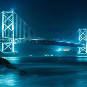 ライトアップされた鳴門海峡大橋