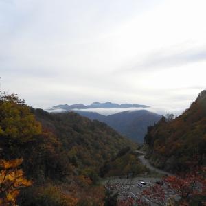 白山白川郷ホワイトロードとがの木台駐車場から見る白山2 R011020 白山市