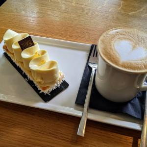【カフェのキロクvol.18】芸術的なケーキをお供に、女子会♪