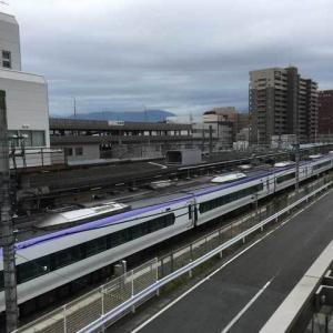 台風後の甲府駅にて