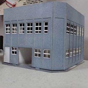 甲府モデルの駅舎を加工する