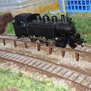 HO(16番)ゲージで「列車のお立ち台」を検討すると・・・