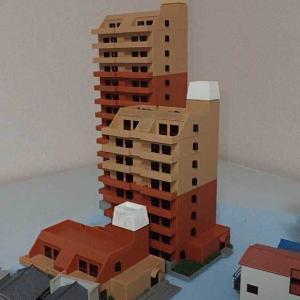 鉄道民宿とTOMIXのマンション
