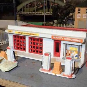 バックマンの「ガソリンスタンド」