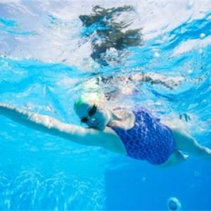 暑いので泳ぐとさらに暑かった!