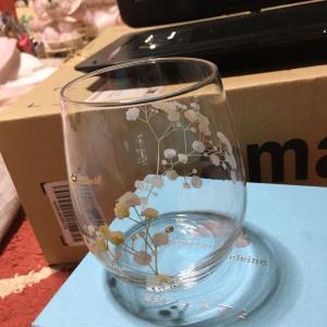 【かすみ草とスワロフスキー】のお洒落なグラス☆☆ドライフラワーを挿せばインテリアとしても使えます