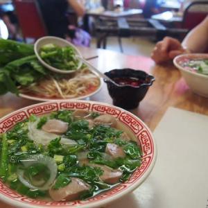 ハワイ到着後 はじめての食事は「Pho To Chau」