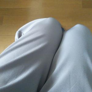 ユニクロのドレープパンツは着心地抜群。捨てられない服を部屋着にするのはやめました