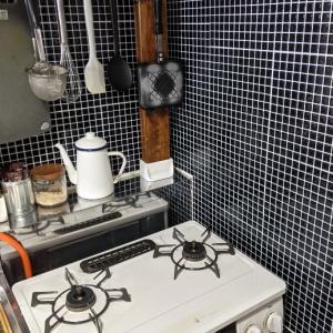 キッチンが古い!ということで慌ててDIYしました。
