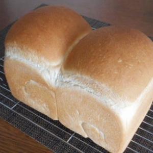 ものすごぉ~く久しぶりの 山型食パン