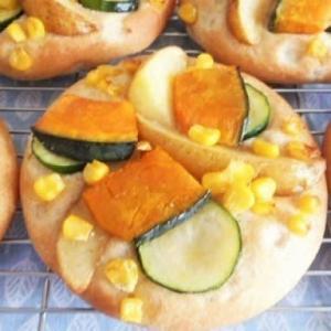 夏野菜た~っぷり全粒粉のうす焼きパン