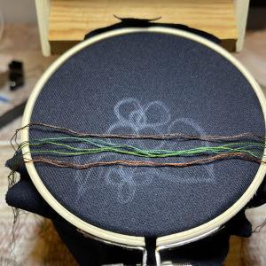 刺繍 ドクダミ