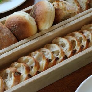 ココット料理とパン ポンレヴェック(Pont-l'Eveque)